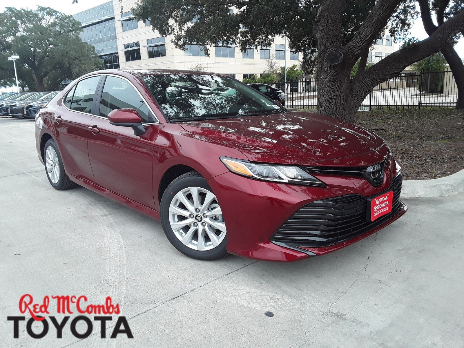 New 2019 Toyota Camry Le 4dr Car In San Antonio 930819 Red