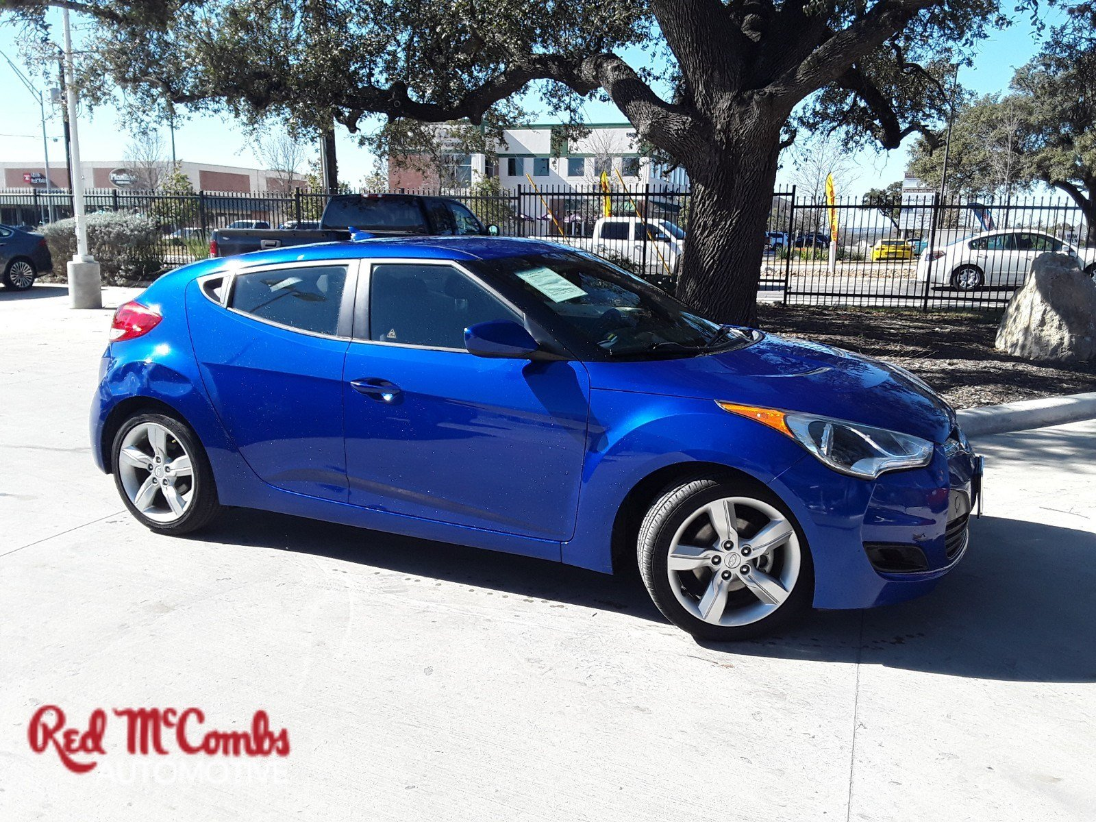 Pre Owned 2013 Hyundai Veloster A T Hatchback In San Antonio 39981a